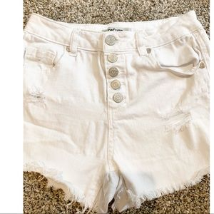 Refuge White Button Up Cut Off Distressed Shorts 0